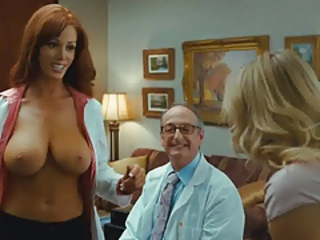 Christine Smith Topless Exposed Big Breasts In Bad Teacher Stream Movie