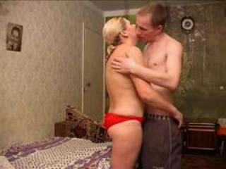 Amateur Homemade Kissing Mature Mom Old and Young