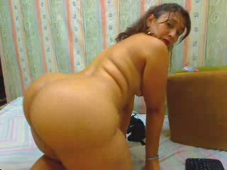 Latina Mature MILF Webcam