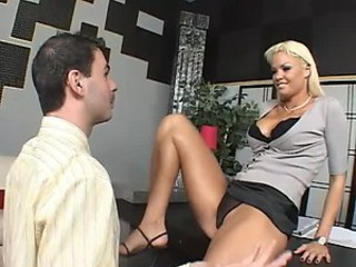 Seductive Rhylee Richards Gets An Advance By Giving Her Boss A Hard Fuck