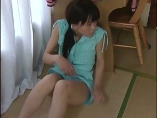 Japanese girl's masturbation & sex with her stepfather 1