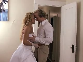 Smoking bride Brooke Belle gets a honeymoon hammering