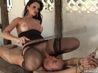 Brunette Shemale Whore Slurping on a Hot Dick Well Sex Tubes