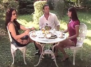 Babe Outdoor Threesome