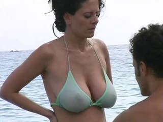 Beach Big Tits Bikini MILF Natural Outdoor