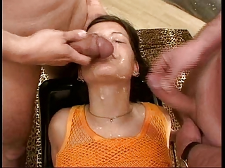 Bukkake-Girl Sandra gets rolling in money all
