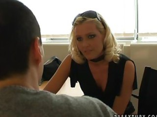 Sophie Moone gives interview to Hot..