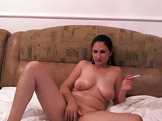 Chubby Masturbating SaggyTits Smoking Teen Webcam