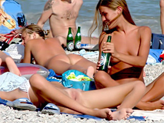 Amateur girls naked sunbathing spreading hot pussy
