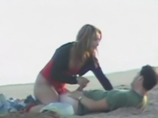 Amateur Beach Girlfriend Handjob Outdoor