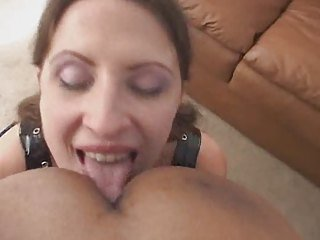 Lena loves to suck