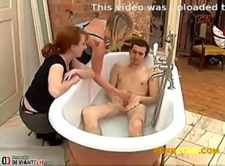 Jerked in his bath by his 2 aunts