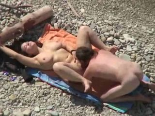 HidCams rus BEACH Two Horny COUPLE FUCK 23 - NV