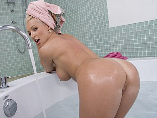 Ass Babe Blonde MILF Pool