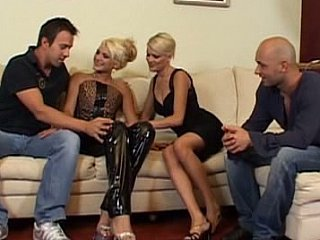 Blonde Groupsex Latex MILF