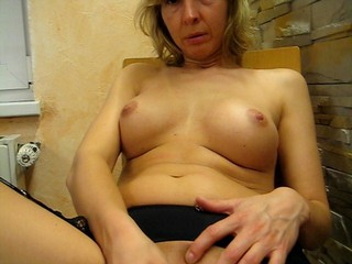 slutwife masturbation