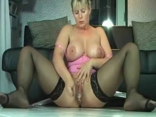 MILF Orgasm Stockings Webcam