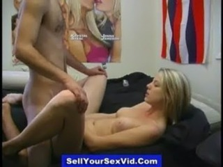 Young amateurs share private sextapes free