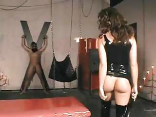 Unreal Chick With A Flavorful Feedbag, Mistress Judith Fox, Gets Drumming On A Slave