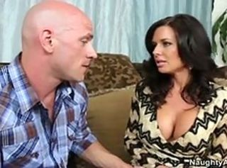 Veronica Avluv invites Johnny over and fucks his huge cock