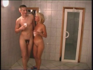 Amateur Mature Old and Young Russian Showers