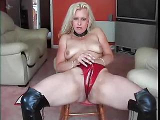 Amateur Blonde Latex MILF SaggyTits Solo