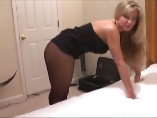 Amateur MILF Pantyhose Wife