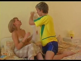 Amateur MILF Mom Old and Young