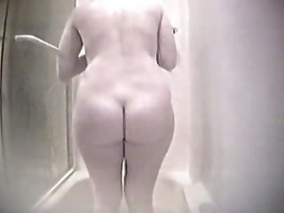Milf in the shower