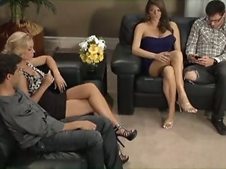Groupsex MILF Swingers Wife
