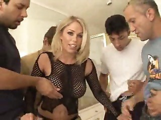 Blonde Loves to Swallow