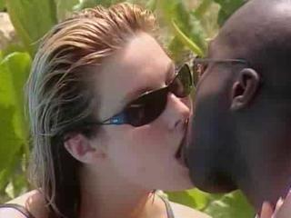 White Wife meets Black Lover in Jamaica Sex Tubes