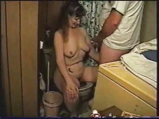 Amateur Homemade Mature SaggyTits Toilet