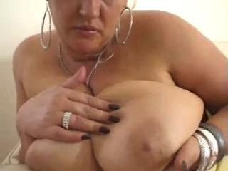 Bbw Blonde Nicole Is Giving A Closeup View Of Her Masturbating Sex Tubes