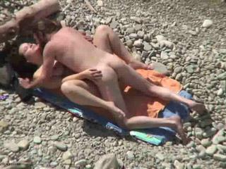 Sex Adventure On The Sunny Beach With Professional Hoochie Jade Sex Tubes