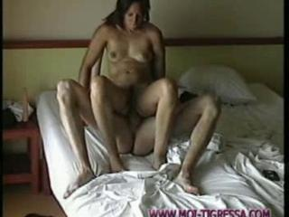 Horny Girl Is Giving Favor To This Dude By Letting Him Lick Her Pretty Cunt Sex Tubes