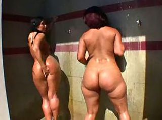 Ass Ebony Latina MILF Showers