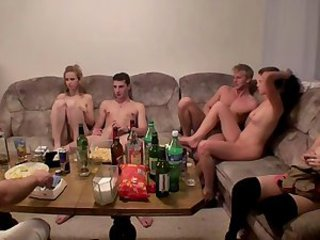 Amateur Drunk Groupsex Orgy Party Student Teen