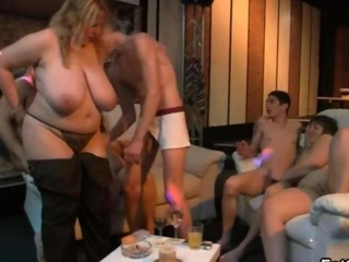 BBW Big Tits Groupsex Mature Natural Old and Young Party