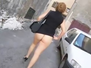 Amateur Ass MILF Outdoor Public