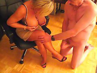 http%3A%2F%2Fxhamster.com%2Fmovies%2F315368%2Fcum_on_her_feet_with_high-heels.html