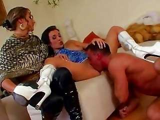 Licking MILF Threesome