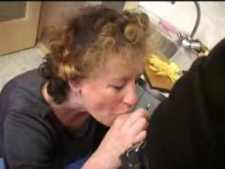 Blowjob Granny Kitchen