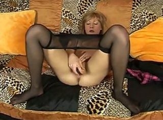 Masturbating Mature Pantyhose