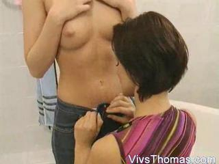 Mom Gives Daughter A Sexy Bath Sex Tubes
