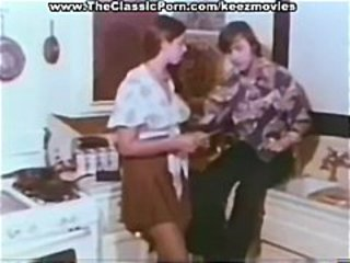 Classic star Mary Monroe is a hot young teenage hustler in this vintage clip