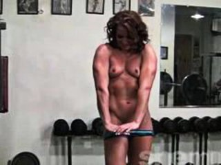 MILF Muscled Small Tits Sport