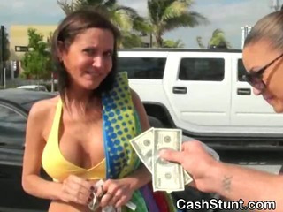 Amateur Cash MILF Outdoor Public