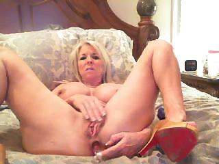 Big Tits Masturbating MILF Solo Toy Webcam