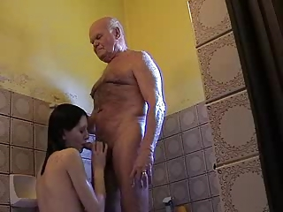 Blowjob Daddy Daughter Old and Young Teen Toilet